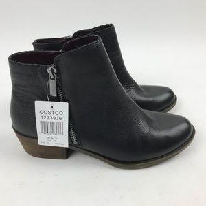 Kensi Black Leather Side Zip booties Ghita